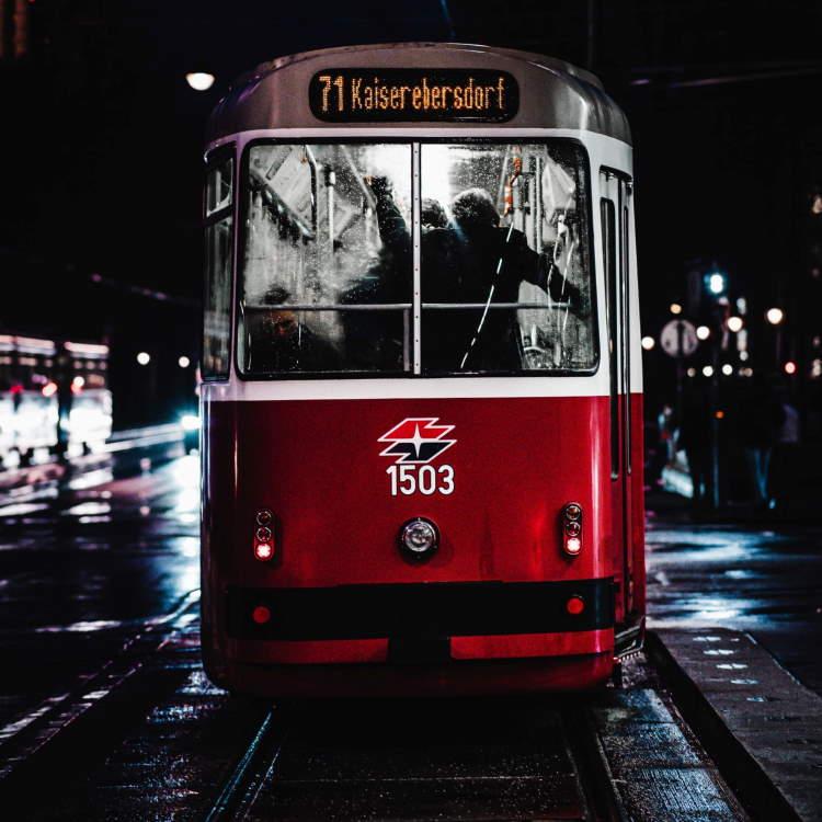 Public Transportation In Vienna Header Image